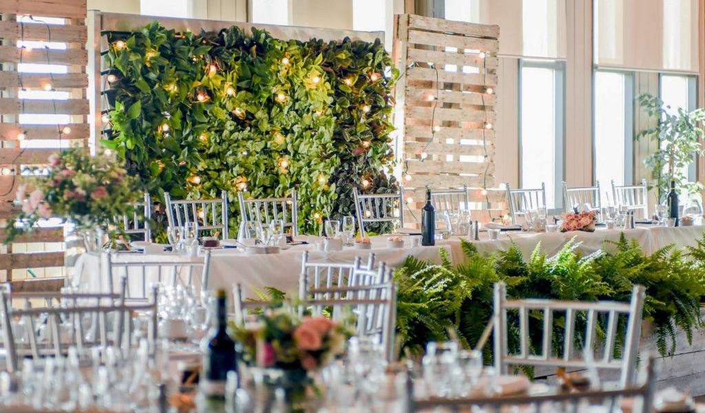 Озеленение ресторана. Внутреннее озеленение, фитостены